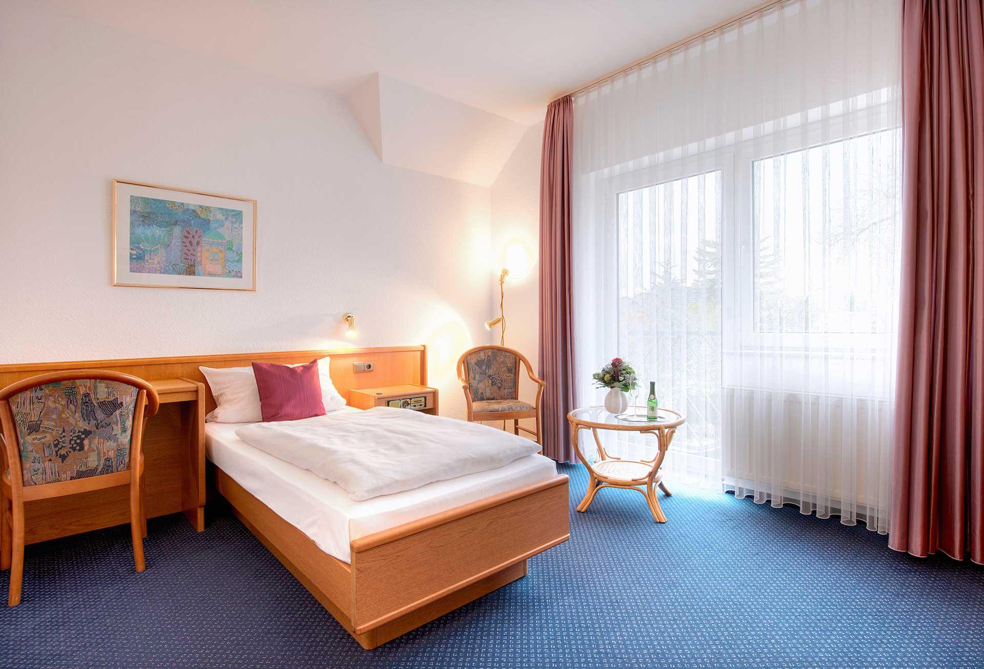 Hotel - Single Rooms